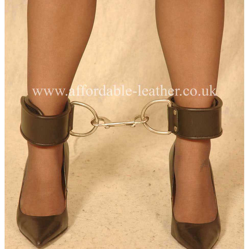 CUF 19 - Leather Velcro Fastening Ankle Cuffs